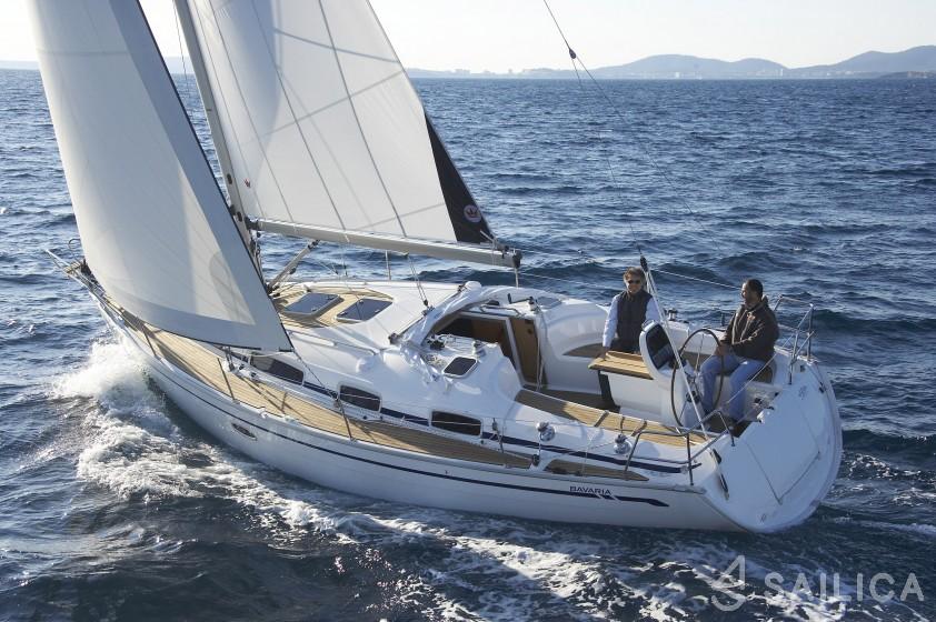 Bavaria 35 Cruiser - Jachtcharter Sailica
