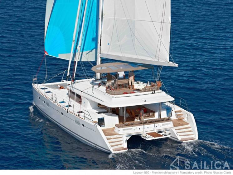 Rent Lagoon 560 in Italy - Sailica