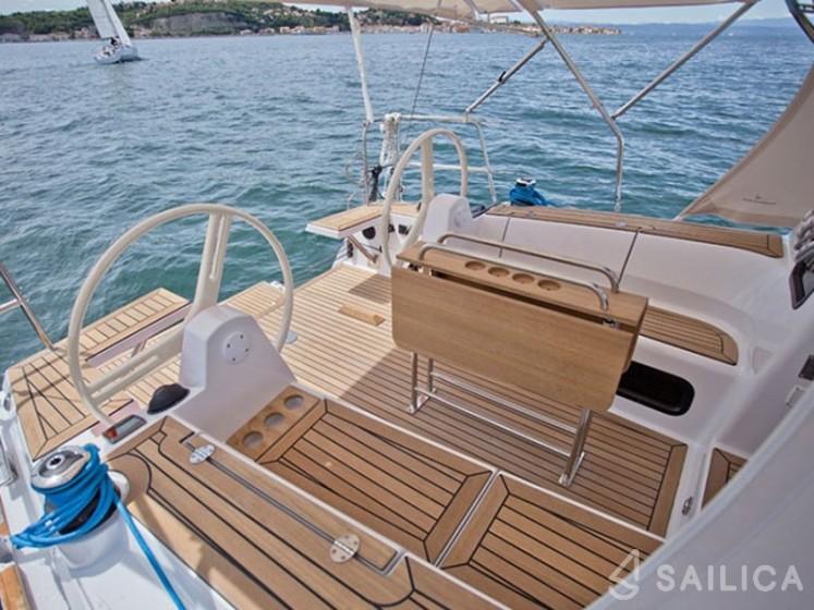 Elan 35 Impression - Sailica Yacht Booking System #4