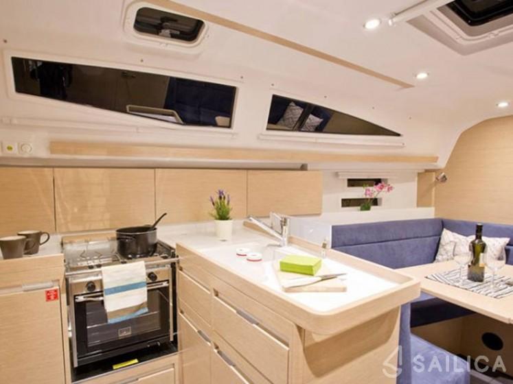 Elan 35 Impression - Sailica Yacht Booking System #5