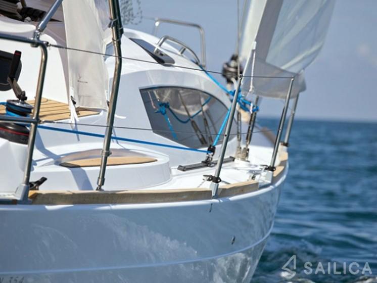 Elan 35 Impression in Marina Marseille - Sailica