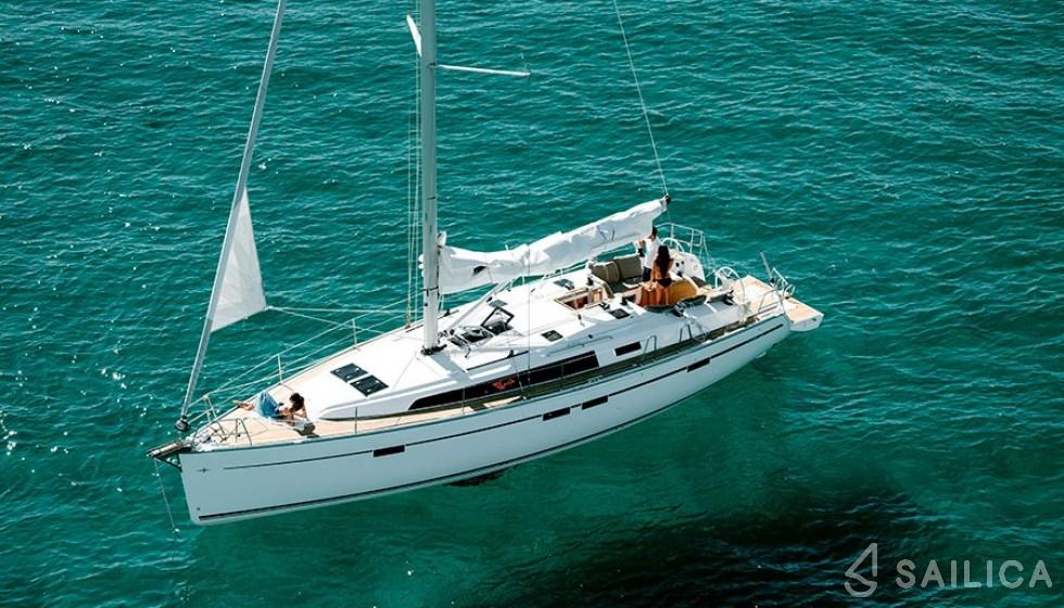 Bavaria Cruiser 46 C in Agios Kosmas Marina - Sailica