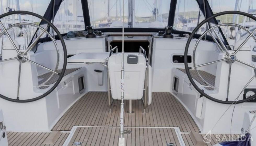 Sun Odyssey 519 - 4 cabin - Yacht Charter Sailica