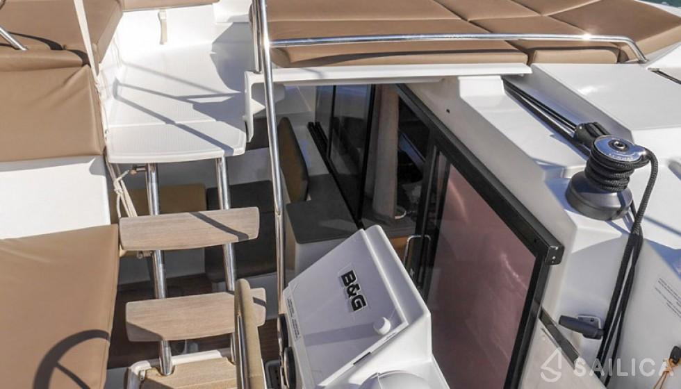 Helia 44 (3 cab) - Yacht Charter Sailica