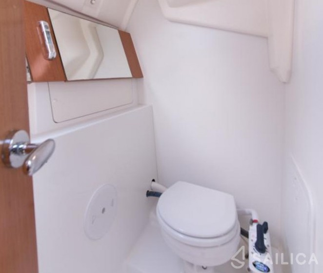 Oceanis 31 - Sailica Yacht Booking System #9