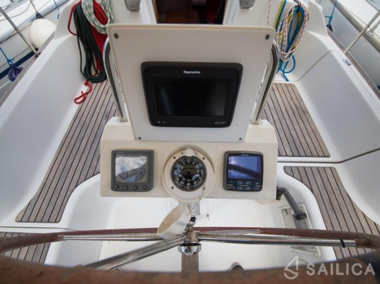 Oceanis 31 - Sailica Yacht Booking System #12