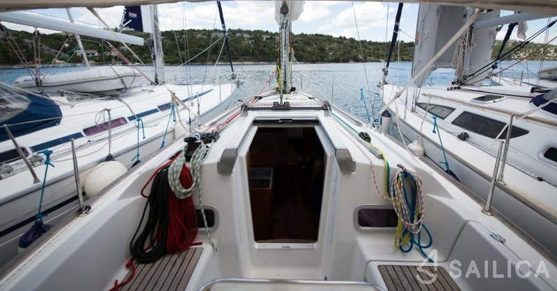 Oceanis 31 - Sailica Yacht Booking System #7