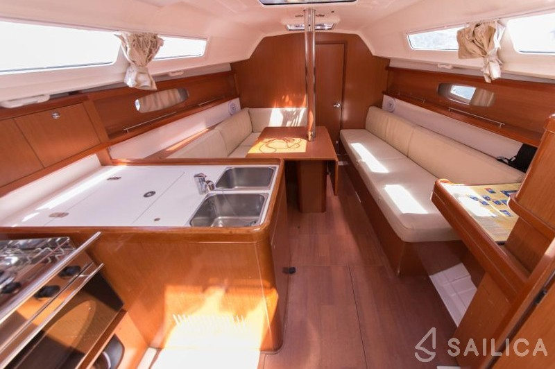 Oceanis 31 - Sailica Yacht Booking System #5