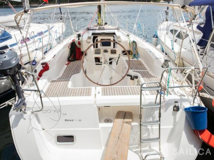 Oceanis 31 - Sailica Yacht Booking System #11