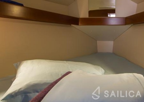 Oceanis 31 - Sailica Yacht Booking System #4