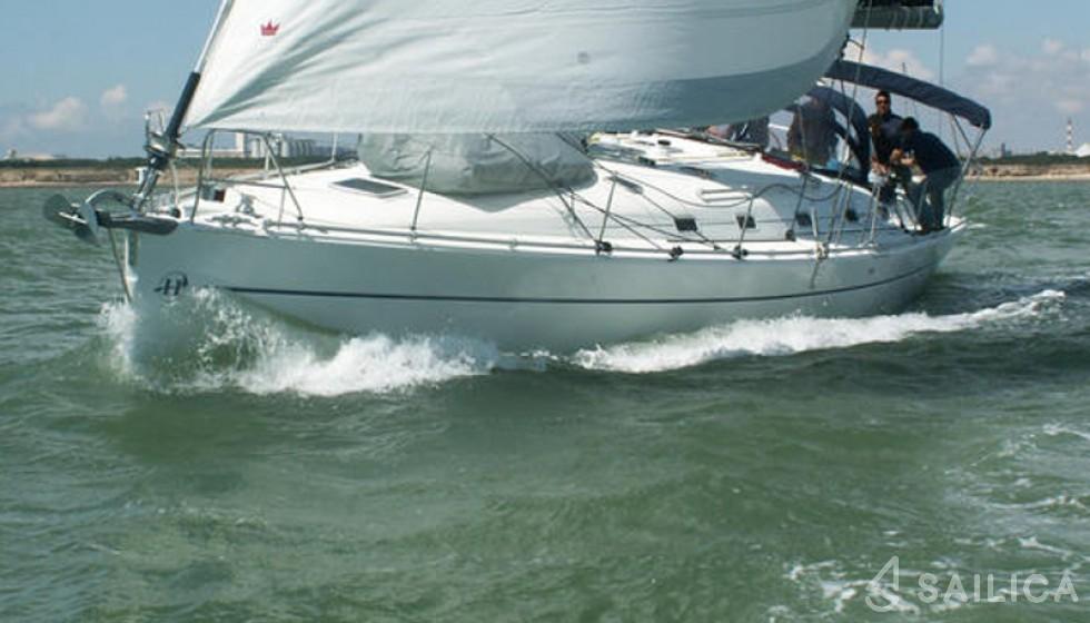 Harmony 52 - Yacht Charter Sailica