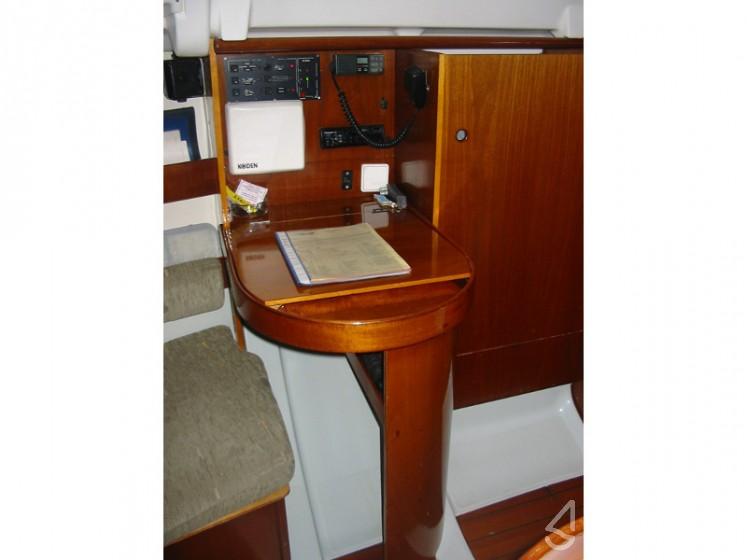 First 265 - Yacht Charter Sailica