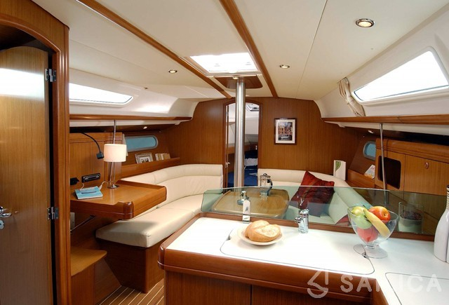 JEANNEAU SO 36i - Yacht Charter Sailica