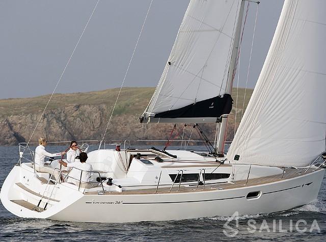 JEANNEAU SO 36i - Yacht Charter Sailica