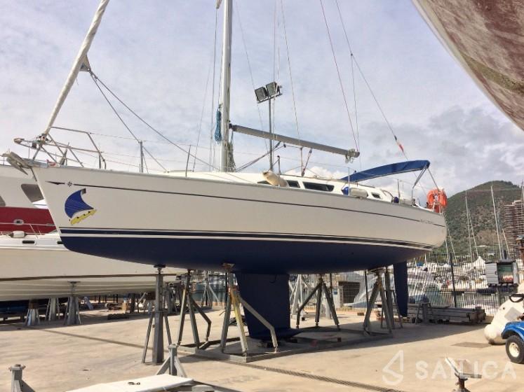 Sun Odyssey 37 - Yacht Charter Sailica