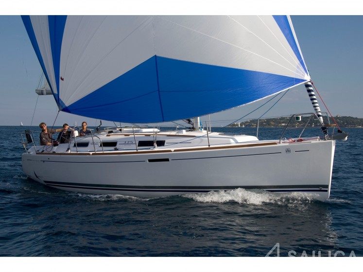 Dufour 325 - Yacht Charter Sailica