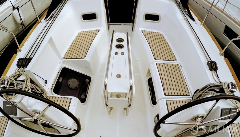 Sun Odyssey 349 - Sailica Yacht Booking System #7