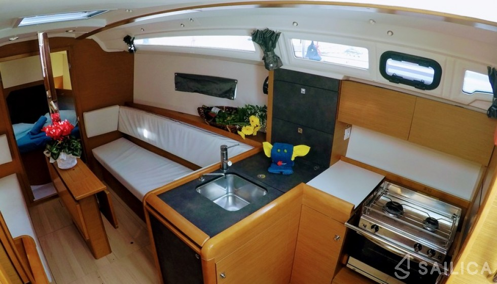 Rent Sun Odyssey 349 in Italy - Sailica