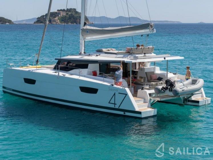 Saona 47 - Yacht Charter Sailica