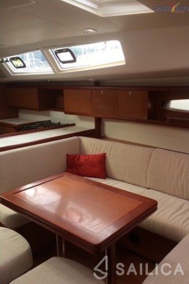 Rent Oceanis 50 in Italy - Sailica