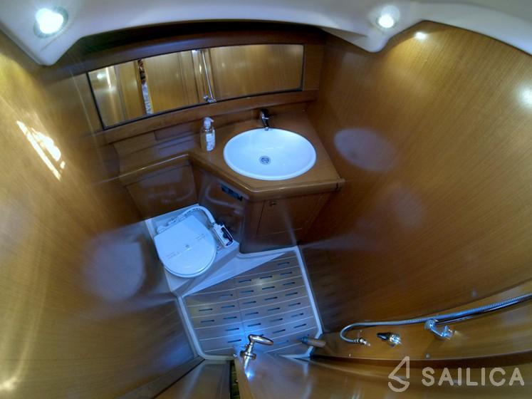 Grand Soleil 43 - Yacht Charter Sailica