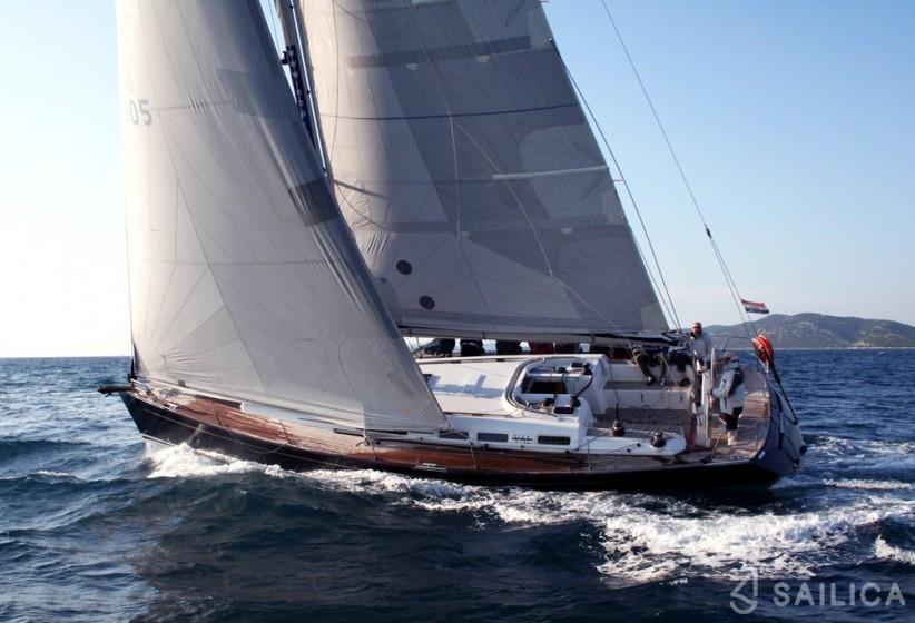 Grand Soleil 50 - Yacht Charter Sailica