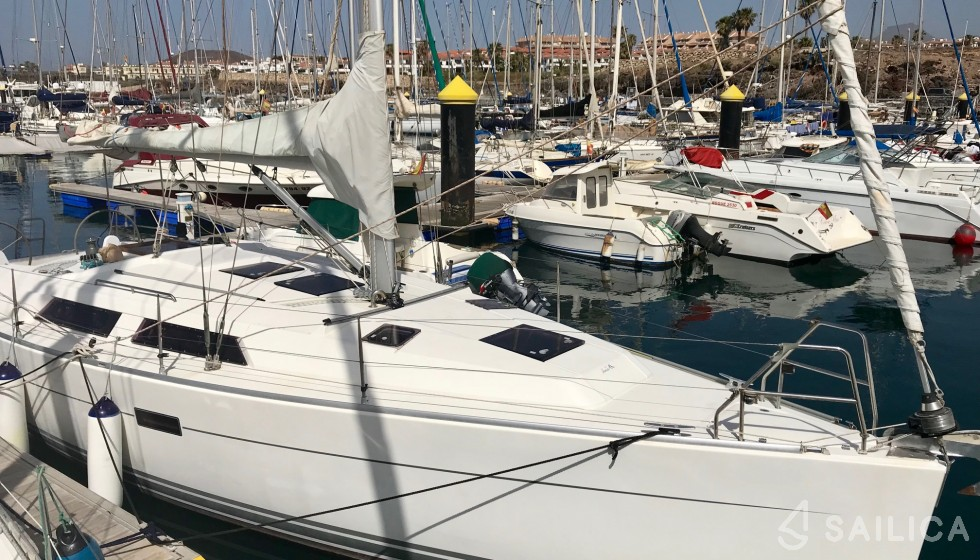 Rent Hanse 375 in Spain - Sailica