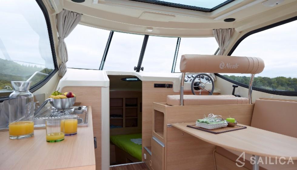 Sedan Primo - Yacht Charter Sailica