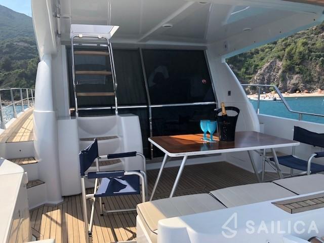 Maestrale 52 - Yacht Charter Sailica