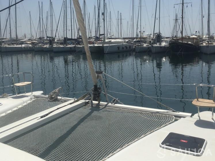 Lagoon 400 S2 - Yacht Charter Sailica