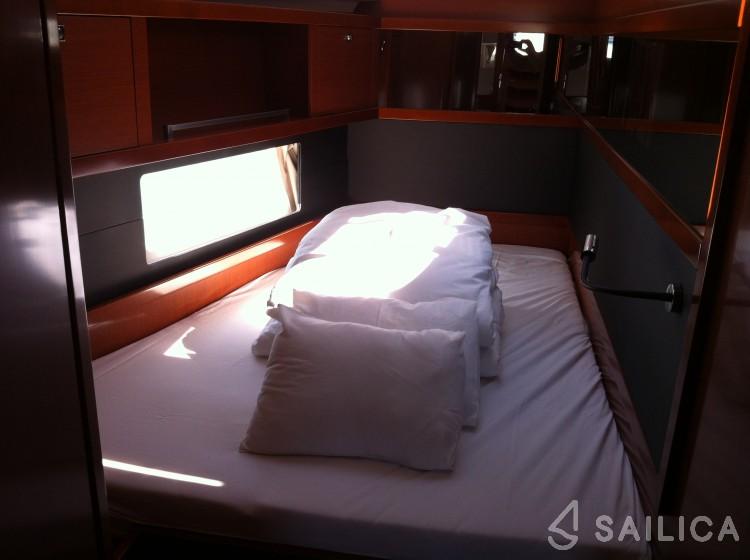 Oceanis 55 - Yacht Charter Sailica