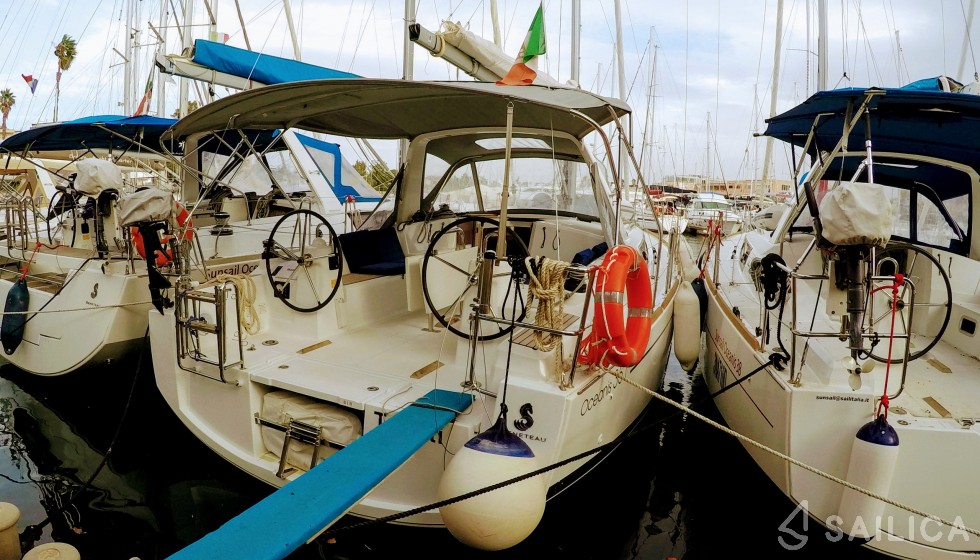 Oceanis 35 - Sailica Yacht Booking System #10