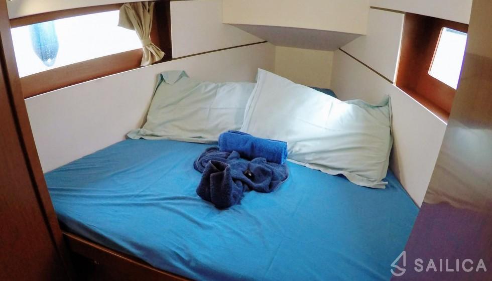 Rent Oceanis 35 in Italy - Sailica