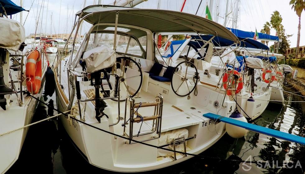 Oceanis 35 in Portorosa - Sailica