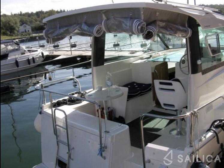 Delphia Escape 800 - Yacht Charter Sailica