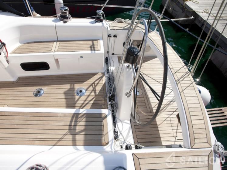 Salona 37 - Yacht Charter Sailica