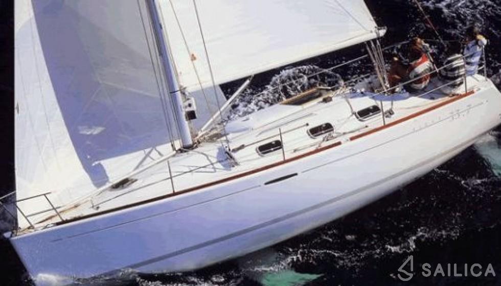Oceanis 393 Clipper - Yacht Charter Sailica