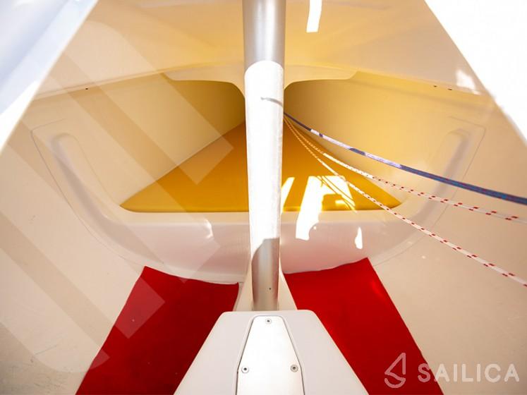 Fareast 19 - Yacht Charter Sailica