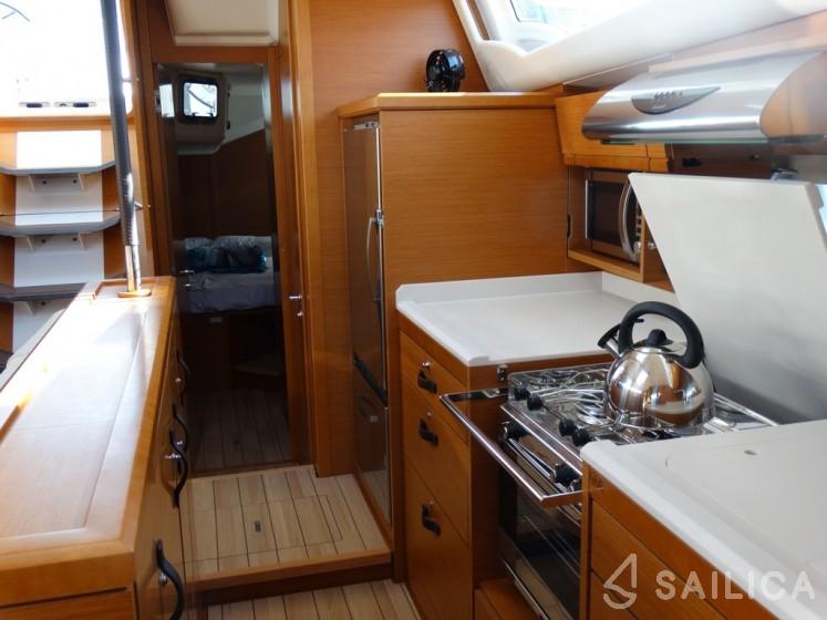 Jeanneau 54 - Yacht Charter Sailica