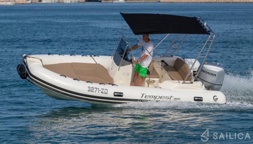 Capelli TE 600 in Marina Dalmacija - Sailica