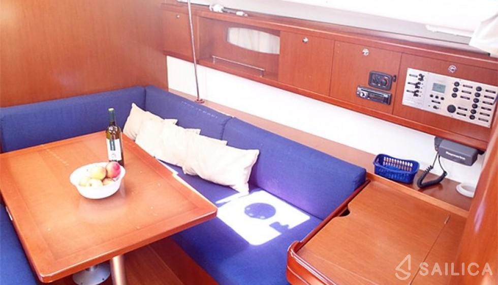 Rent Oceanis 43-4 in Kroatien - Sailica