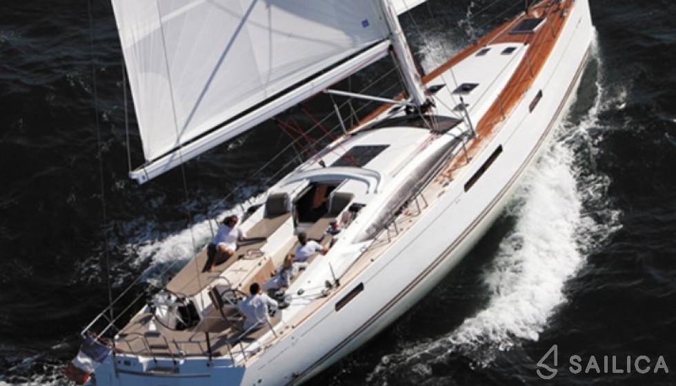 Rent Jeanneau 57 in Italy - Sailica