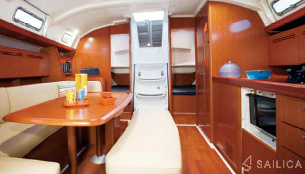 Rent Cyclades 43.4 in Italy - Sailica