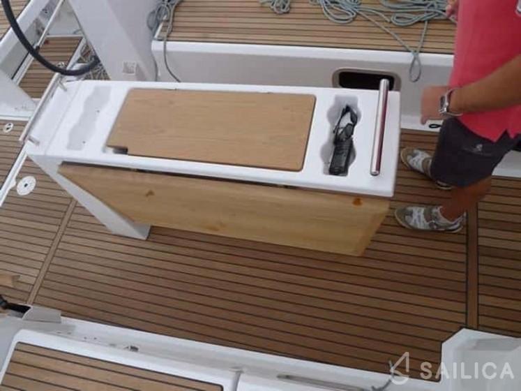 Rent Oceanis 38 in Spain - Sailica