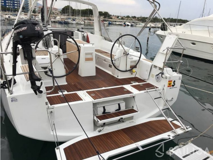 Oceanis 38 - Sailica Yacht Booking System #7