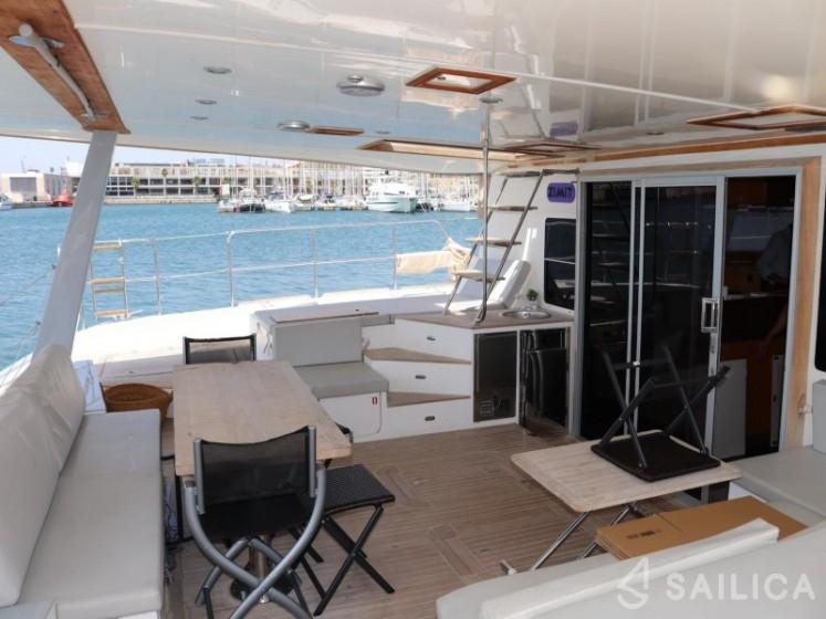 Sunreef 62 - Yacht Charter Sailica