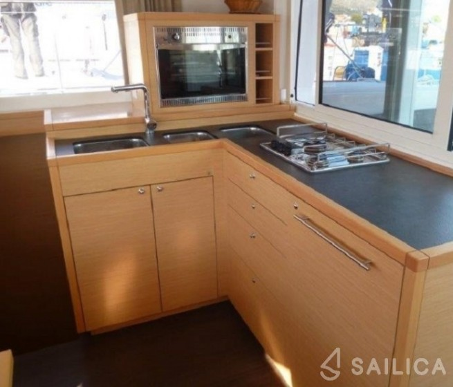 Lagoon 400 S2 - Sailica Yacht Booking System #5