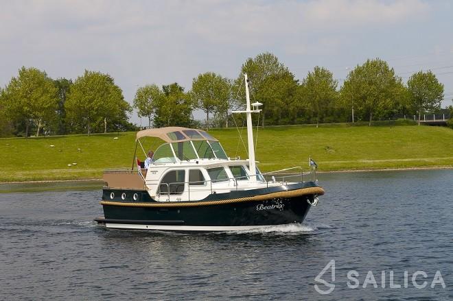 Linssen Classic Sturdy 32 AC - Yacht Charter Sailica