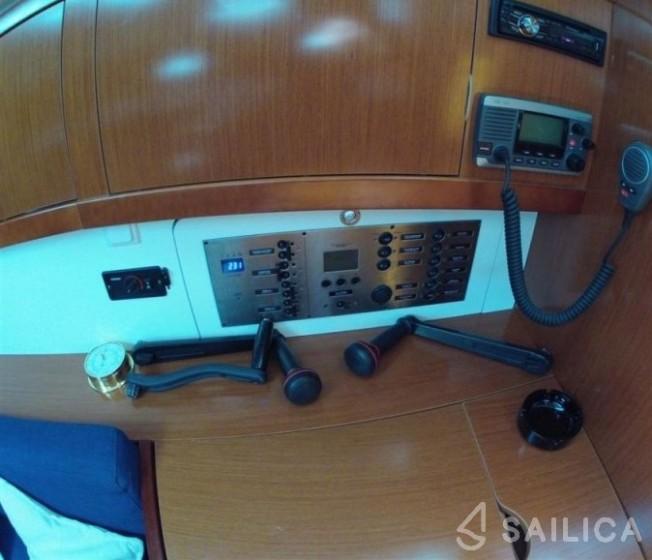 Oceanis 46 - Yacht Charter Sailica
