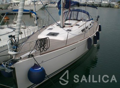 Dufour 425 - Yacht Charter Sailica